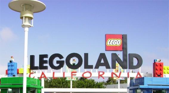 http://www.atotalwaste.com/images/LegolandEntrance.JPG